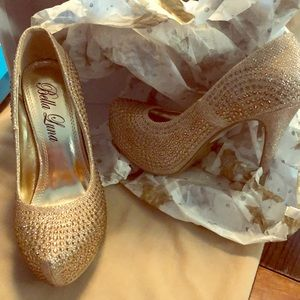 New in the box Nataly shoes gold